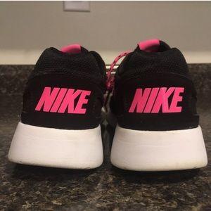45f44537 NIKE Roshe Rope Lace Sneakers Pink Black